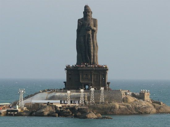 Thiruvallur statue at Kanyakumari