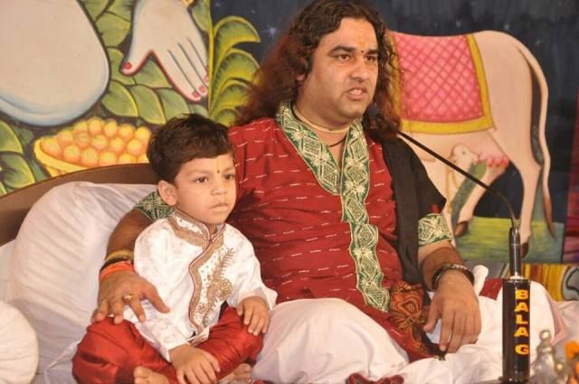 Devkinandan Thakur with his son