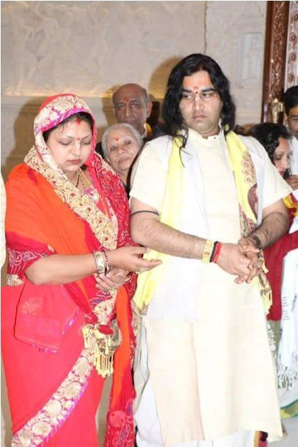 Devkinandan Thakur with his wife