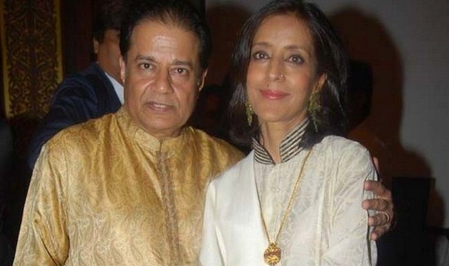 Anup Jalota Biography, Age, Height, Wiki, Wife, Family, Caste, Profile - anup jalota with wife medha