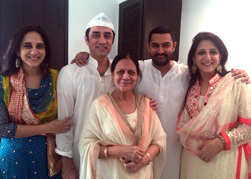 Aamir Khan With His Mother and Siblings, Farkhat Khan, Faisal Khan, and Nikhat Khan