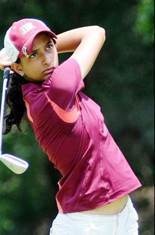 Anisha Padukone playing Golf