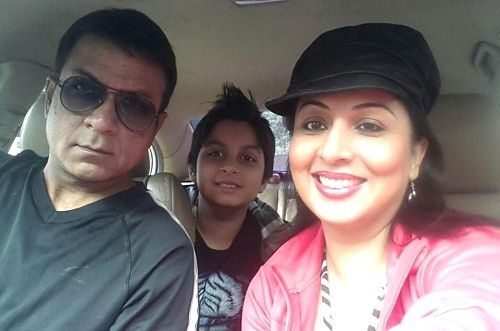 Nitin Bali with his wife Roma Williams and son Joshua Bali