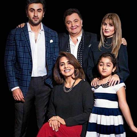 Rishi Kapoor with his wife and children