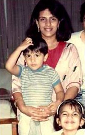 Ritika Bhanani with her brother Ranveer and mother in her childhood