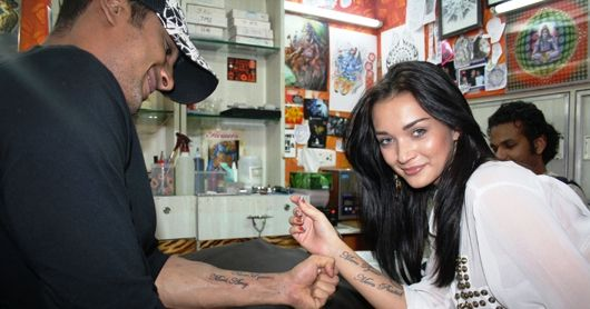 Amy Jackson and Prateik Babbar tattooed each other's name