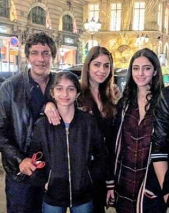 Ananya Panday with her family