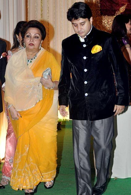Jyotiraditya Scindia with his mother