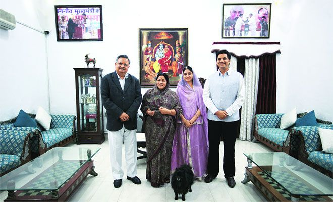 Raman Singh with his wife, son and daughter in law