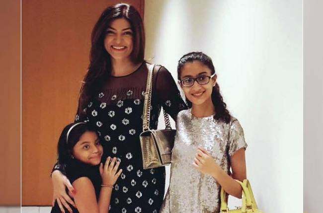 Sushmita Sen with her daughters