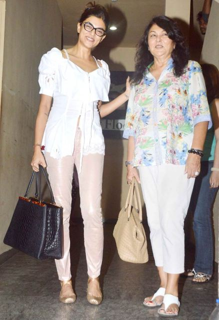 Sushmita Sen with her mother