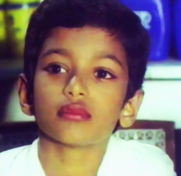 Vijay in his debut film, Vetri, as a child artist