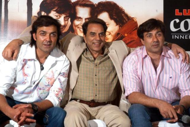 Dharmandra with Sunny Deol and Bobby Deol
