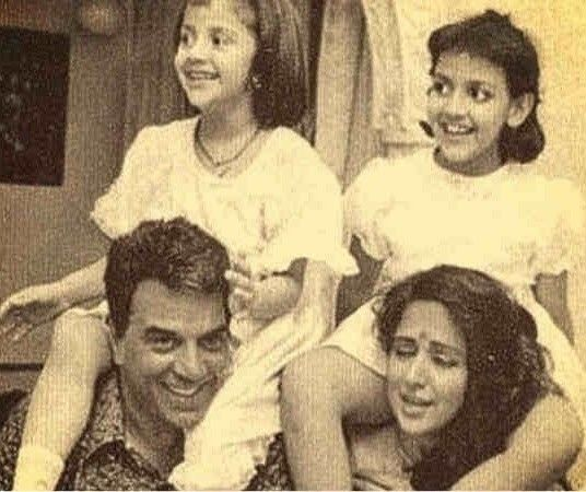 Dharmendra with wife Hema and daughters