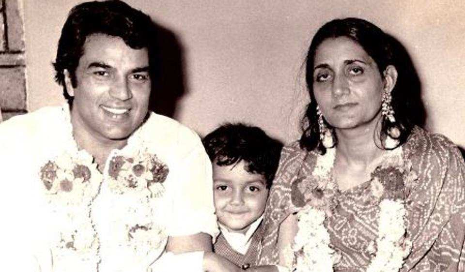Dharmendra with wife Prakash Kaur