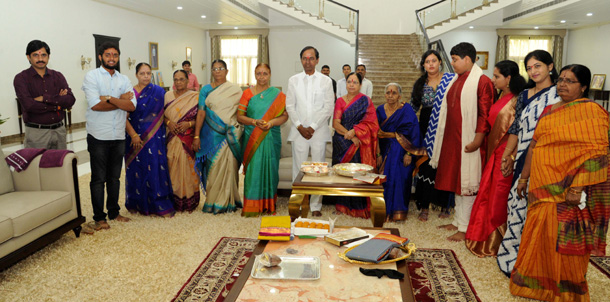 KCR with his family and sisters during Raksha Bandhan