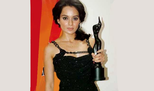 Kangana Ranaut with filmfare award