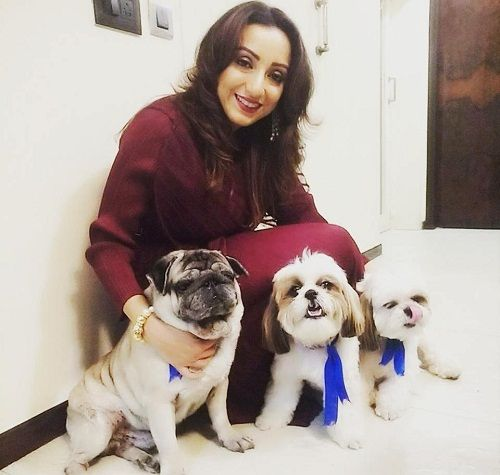 Madhurima Nigam loves dogs