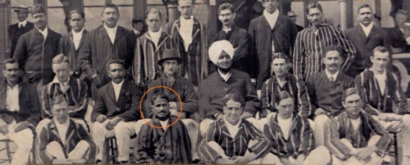 Palwankar Baloo with team in 1911