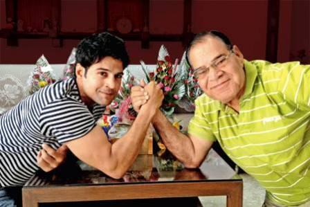 Rajeev Khandelwal with his father
