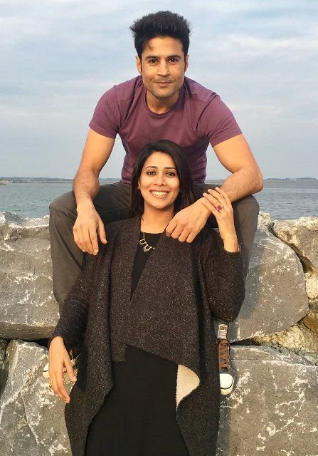 Rajeev Khandelwal with his wife