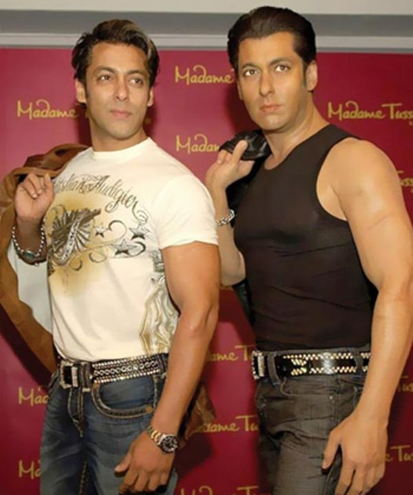 Salman Khan with his wax statue at Madame Tussuad Museum