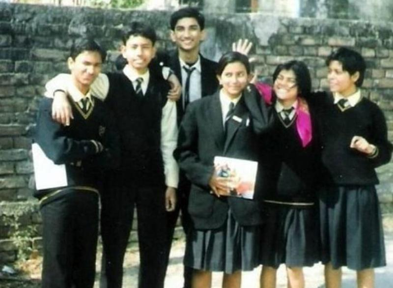 Sushant Singh Rajput With His School Friends