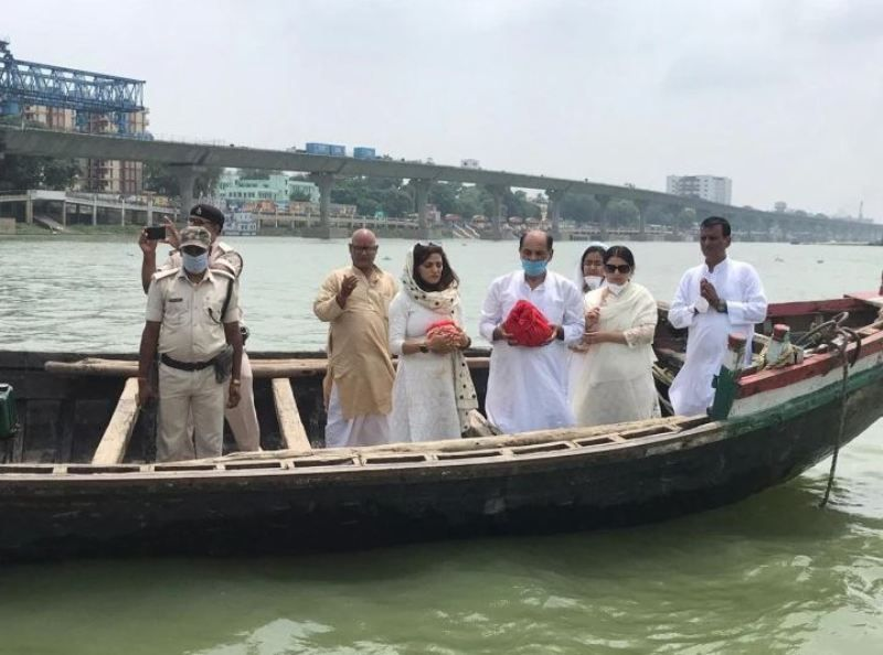 Sushant Singh Rajput's ashes immersed in Ganga by his family