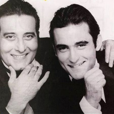 Akshaye Khanna With His Father, Vinod Khanna