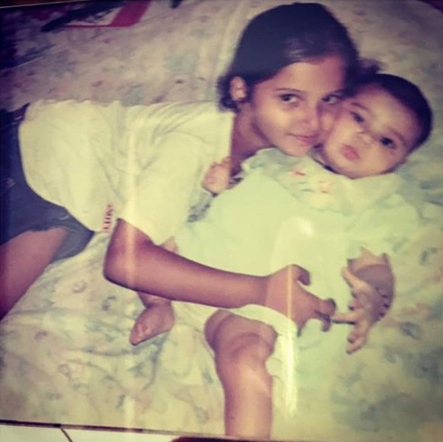 Anam Mirza And Sania Mirza Childhood Picture