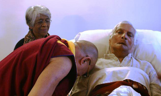 Dalai Lama Visits George Fernandez, During George's Last Days