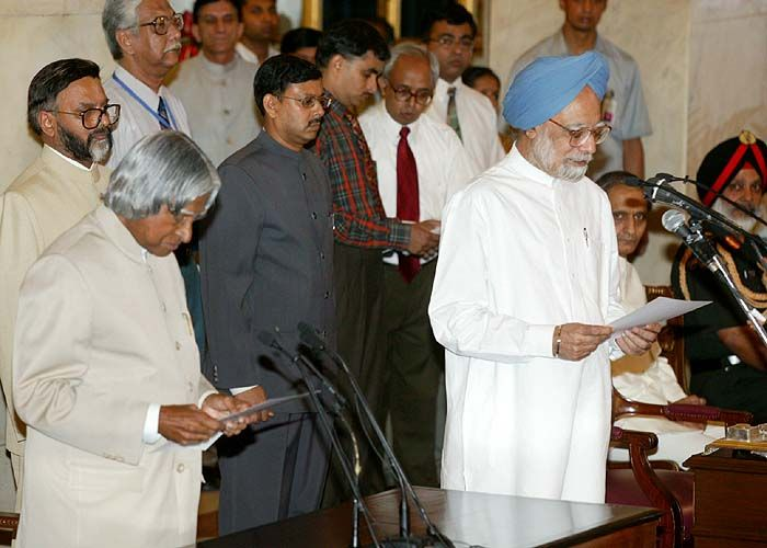 Dr Manmohan Singh Taking The Oath as Prime Minister