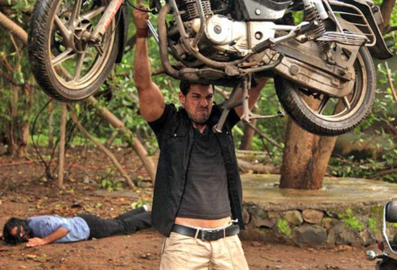 John Abraham lifting bike in Force