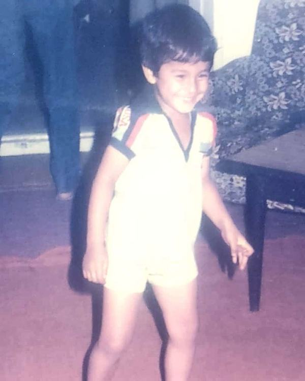 Kunal Khemu in his childhood
