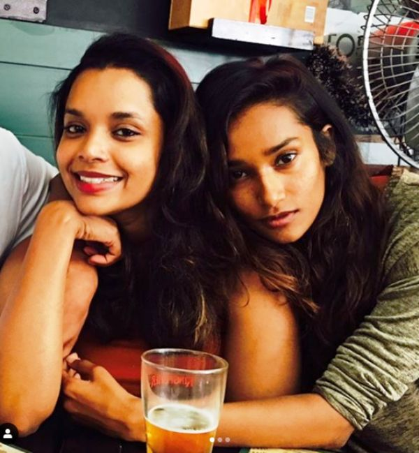 Nidhi Sunil (Right) With Her Sister Nithya Sunil