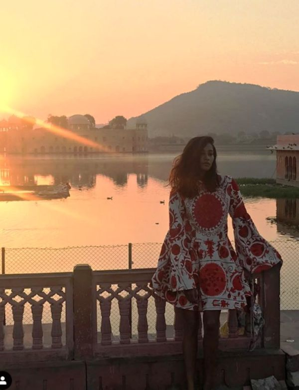 Nidhi Sunil Standing in Front of Jal Mahal in Her Hometown Jaipur