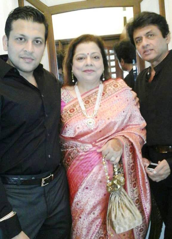 Nihaar Pandya's parents and Brother, Paarth Pandya