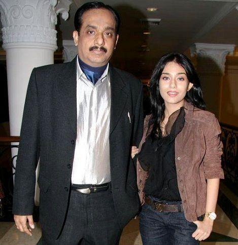 Amrita Rao with her father, Deepak Rao
