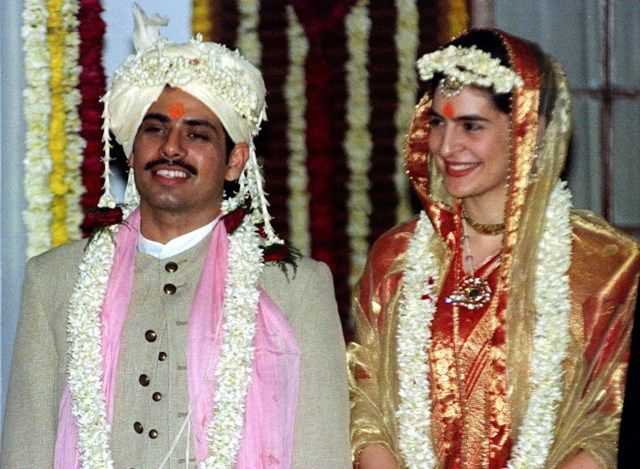 Robert Vadra and Priyanka Gandhi at the time of their wedding