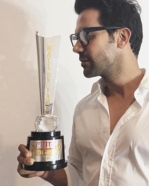 Rajkummar Rao Received Best Actor Award At Hello Hall Of Fame Awards