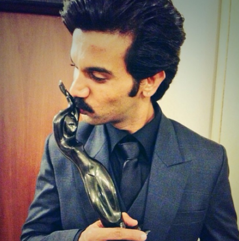 Rajkummar Rao With Best Actor Critic Award At Filmfare in 2014