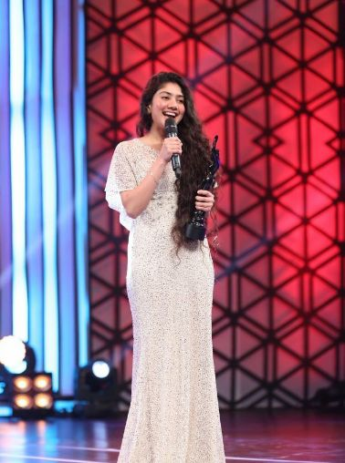 Sai Pallavi At 63rd Britannia Filmfare Awards In 2016
