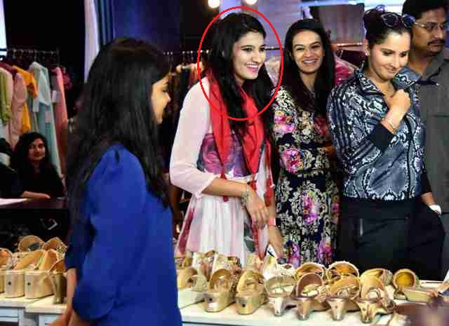 Sania Mirza And Anam Mirza At The Label Bazaar Exhibition In Hyderabad