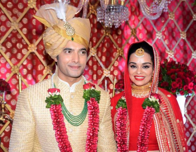 Sharad Malhotra And Ripci Bhatia Wedding Photo