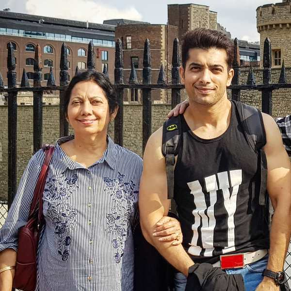 Sharad Malhotra with his mom