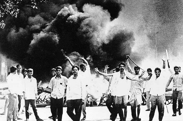 Shiv Sainiks during Mumbai Riots of 1993