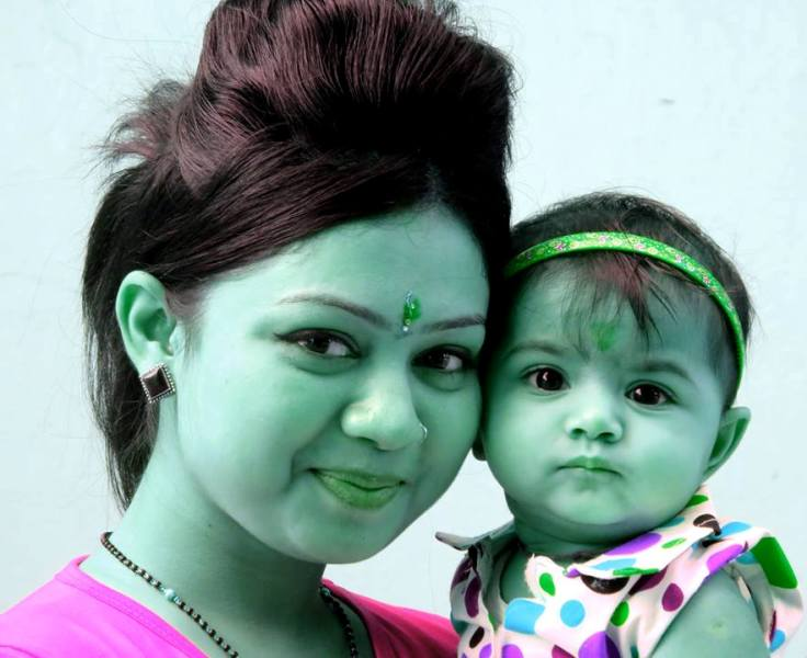 Shivani Bhatia with her daughter