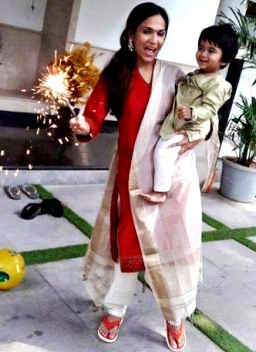 Soundarya Rajinikanth with her son Ved Krishna