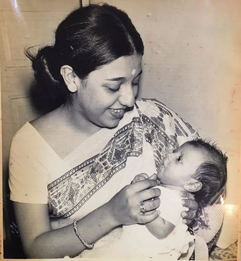 Zoya Akhtar in her mother's lap