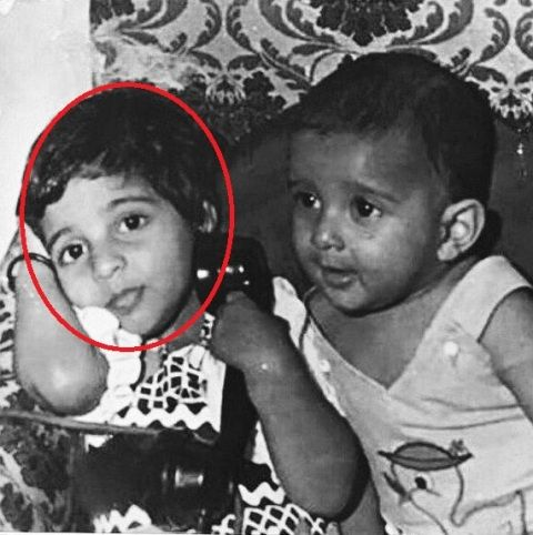Zoya Akhtar with her brother in childhood